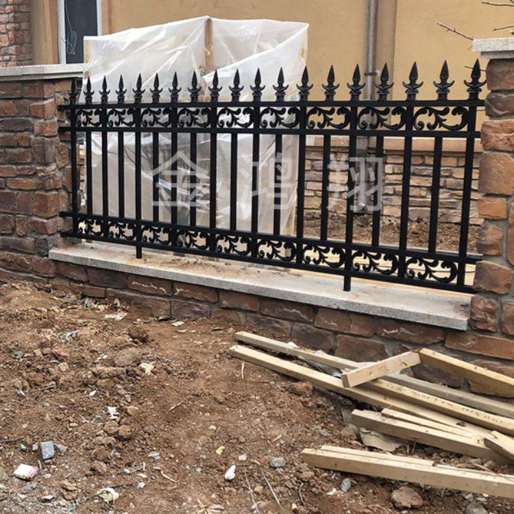 齐河铝艺楼梯护栏设计 滨州铝艺楼梯护栏加工 金鸿翔