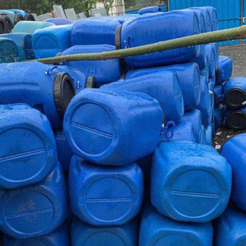 油漆桶回收服务 高价油漆桶回收报价 废旧油漆桶回收 标日昇