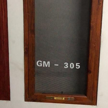 沈阳市光明纱窗纱门厂 可定做上门安装