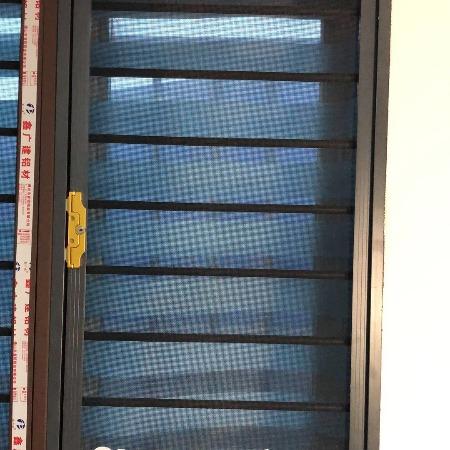 辽宁大型纱窗厂批发 高透纱窗    金刚网不锈钢 纱门 可量尺定做