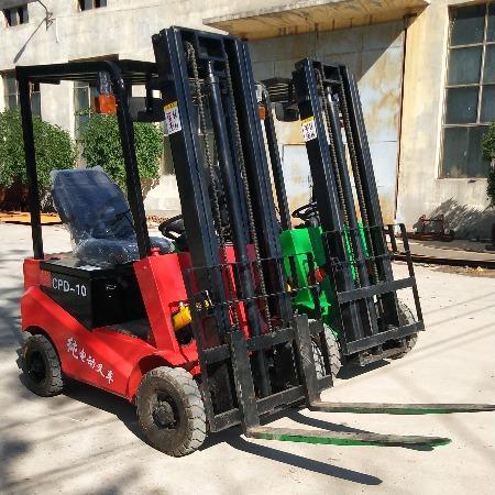 四轮电动叉车座驾式搬运装卸铲车 全自动小型堆高车