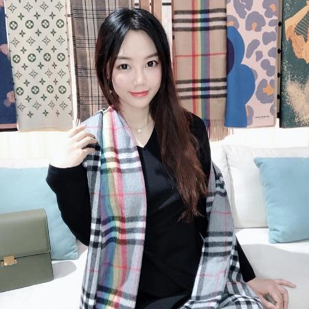 淘宝热销货源2019秋冬双面羊绒围巾女装批发走份