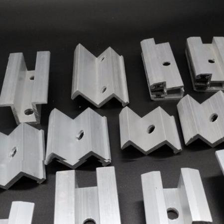 光伏支架铝合金配件   光伏配件中边压块太阳能发电系统配件光伏组件