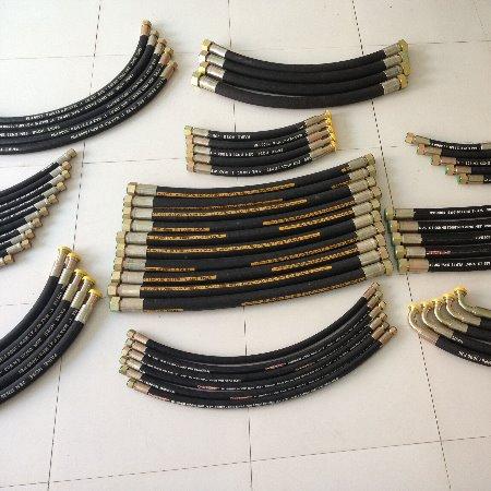 钢丝编织胶管 耐磨天然橡胶管 高压橡胶管 编织输水胶管型号齐全厂家直销