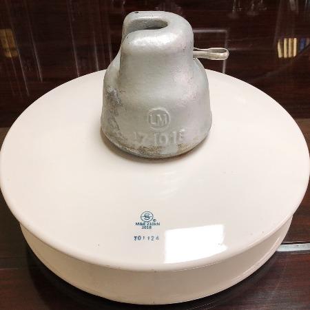 正恒厂家生产批发 全新国标XWP-160悬式瓷瓶绝缘子 ISO认证质量保证