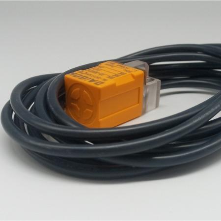 原装DAIGOK传感器方形接近开关金属感应全系列正品