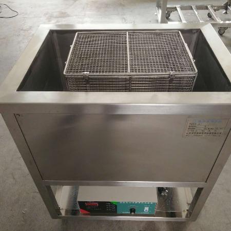 超声波零部件除油清洗机还是山东济宁奥超真专业