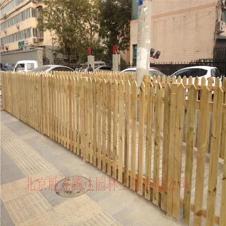 北京防腐木围栏设计厂家定制户外栅栏