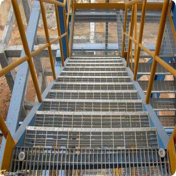 河北厂家直销钢格板楼梯踏步网格板防滑平台钢格栅板可定制钢格板镀锌