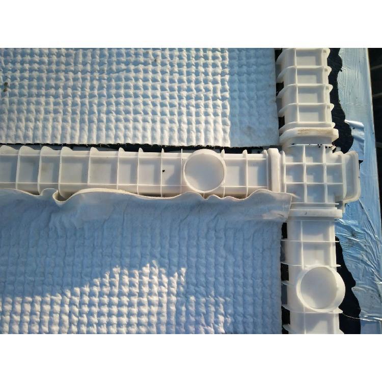 ped14高分子防护排水异形片  山东兴联建材 刷胶覆布排水板厂家 厂家直销免费寄样