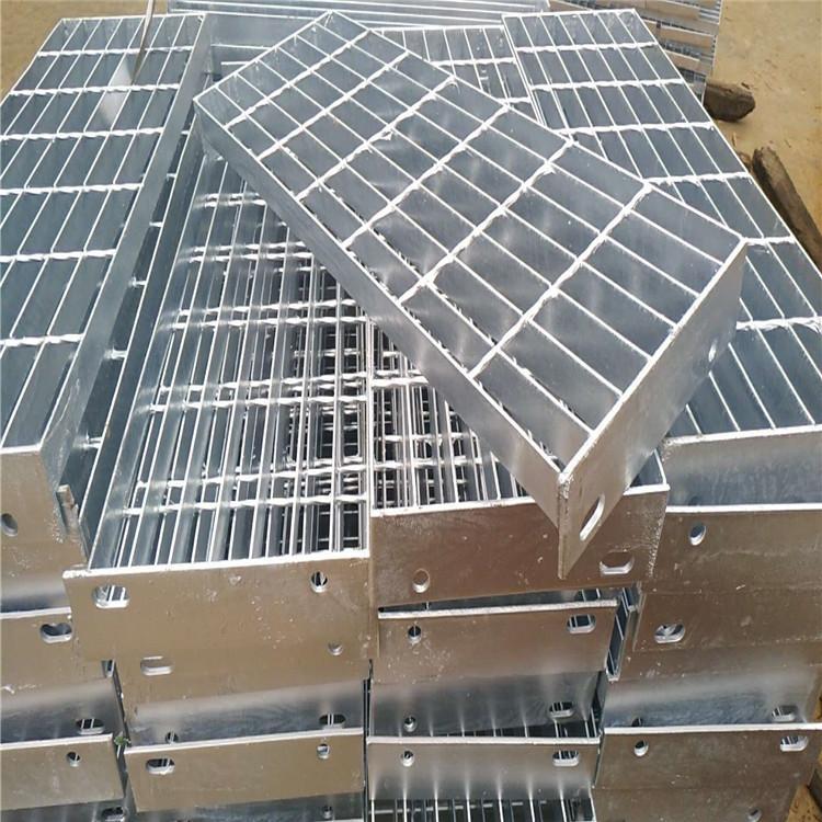 热销镀锌防滑钢格板电厂走道楼梯踏步板 金属重型平台钢格栅板定制