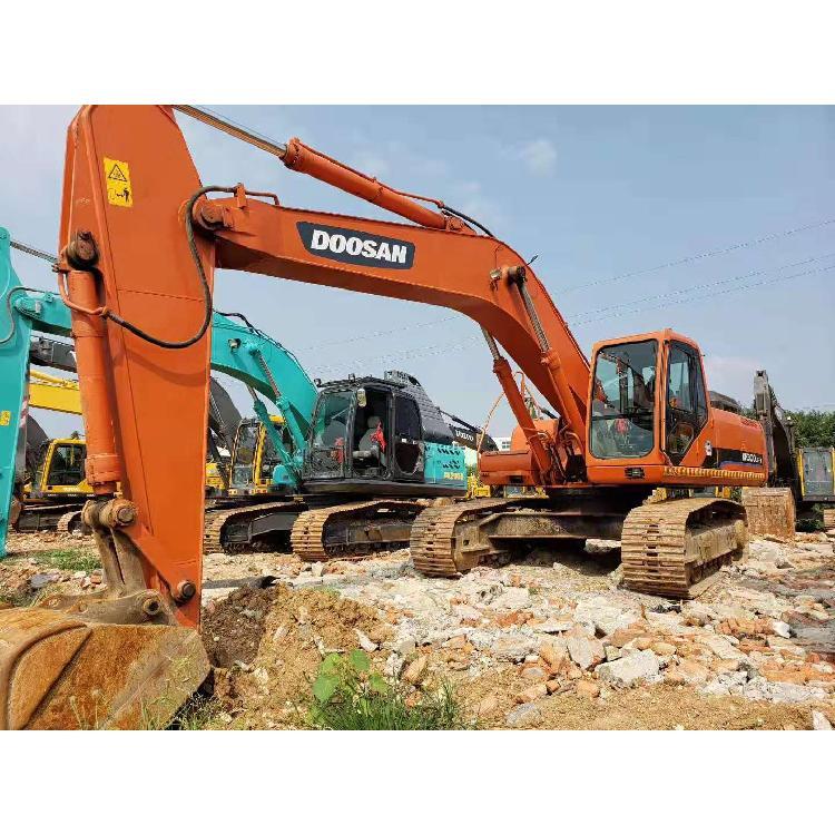 二手挖掘机斗山300LC-7 二手挖土机交易市场