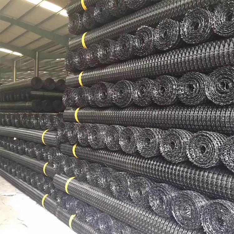 云南纭慷土工格栅,型号:15KN-50KN,适用于各种堤坝和路基补强、边坡防等永久性承载的地基补强