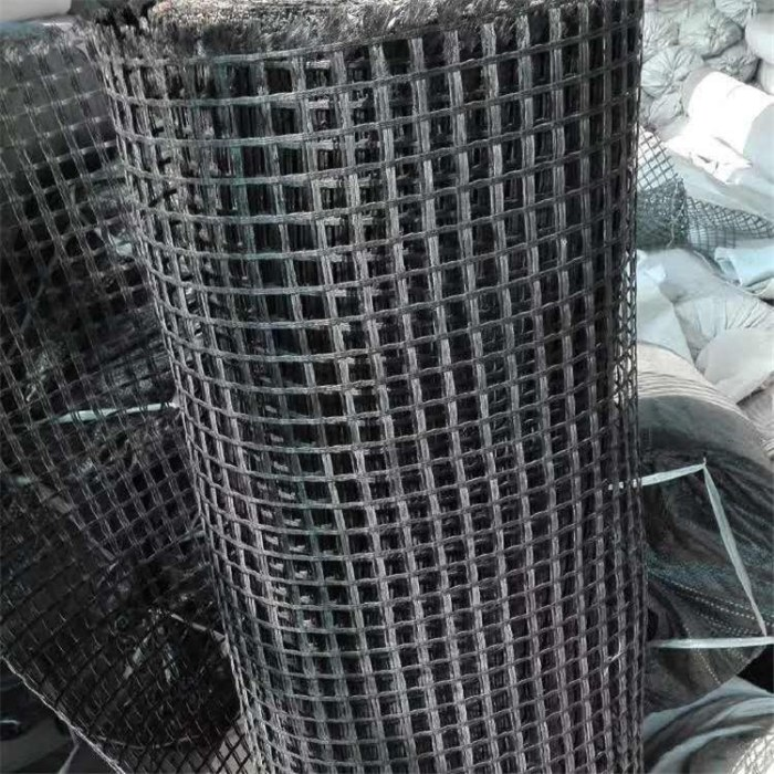 常年生产销售专业供应规格齐全钢塑土工格栅厂家直销设备