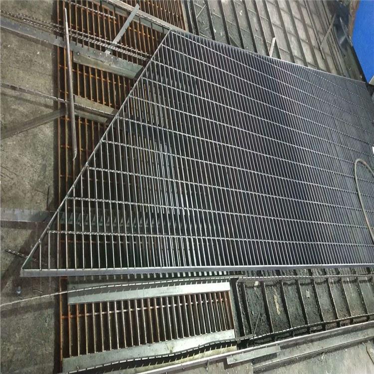 特源【异型钢格板】批发楼梯防滑踏步钢格板 镀锌重型异形格栅板