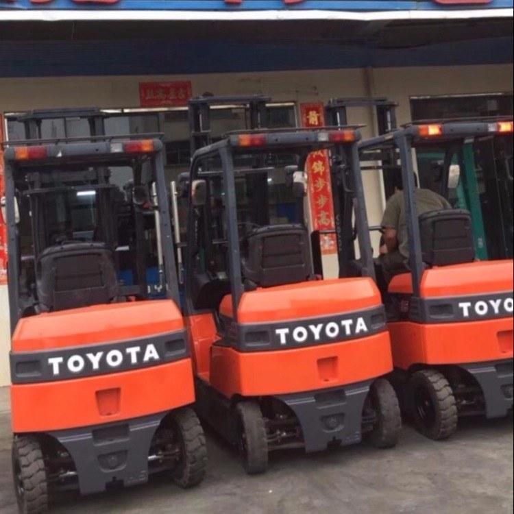 上海进口二手电动叉车市场 丰田小松电动叉车低价出售