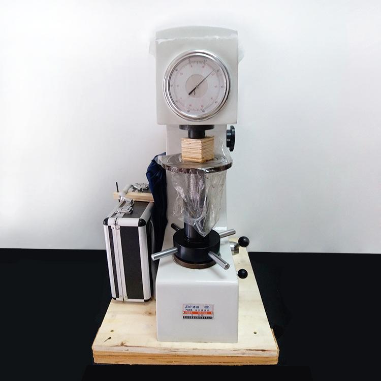 洛氏硬度计仪器校准硬度标尺若何辨别