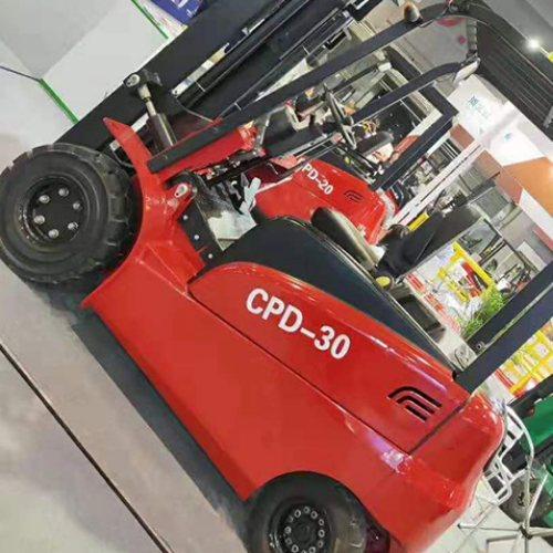 建泰 多功能四轮电动叉车保养 四轮电动叉车哪家好