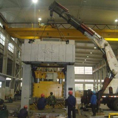 数控机床设备移位定位价位 起重吊装 冷水机组设备移位定位公司