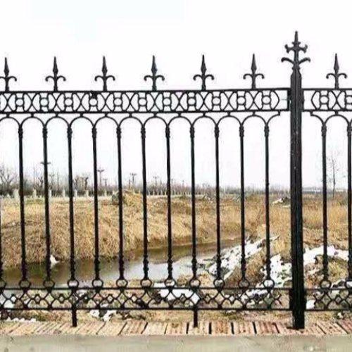 专业定制铁艺围栏品牌 那里做铁艺围栏 平轩金属 铁艺围栏供应商