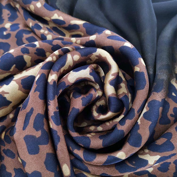 春夏秋新款韓版東大門豹紋高檔仿真絲圍巾女裝飾披肩防曬沙灘巾