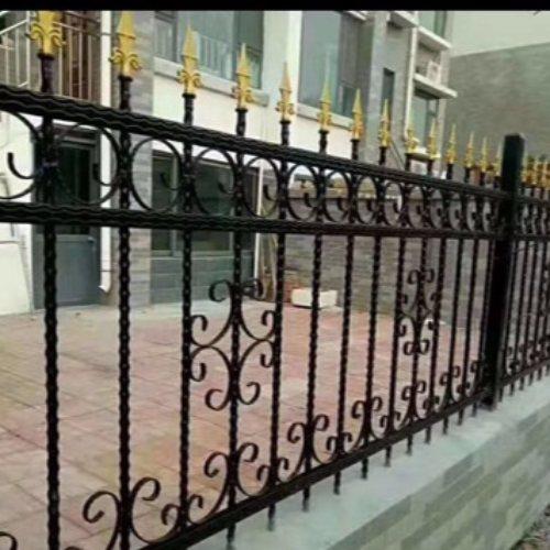 优质铸铁围墙护栏公司 平轩金属 定制铸铁围墙护栏规格