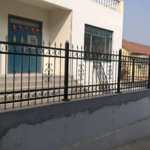 阳台铸铁护栏配件 桂吉 围墙铸铁护栏施工方案