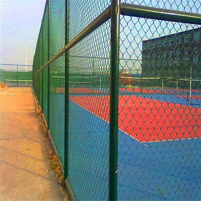 昆明球场护栏型号 体育场围栏 篮球场围栏的尺寸