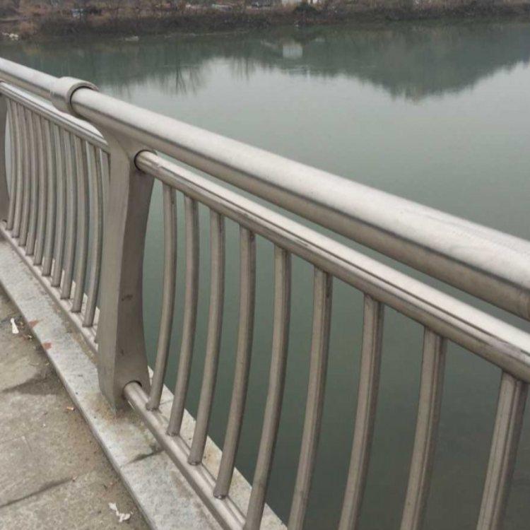 桥梁护栏生产厂 飞龙 201不锈钢桥梁护栏定制