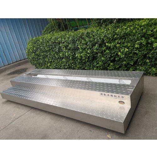 学校专用不锈钢大便池尺寸 琦凯洁具 公共场所不锈钢大便池订制