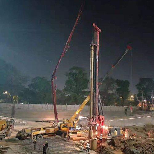 多工功能电旋挖钻机施工工程 晨功 小型旋挖钻机施工工程标准