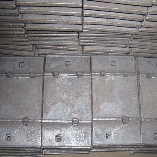 各种型号铁垫板源头供应 宝坤工矿配件 钢轨铁垫板加工