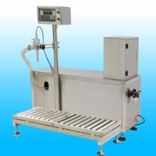 生产全自动润滑油灌装机图片 恒鲁机械