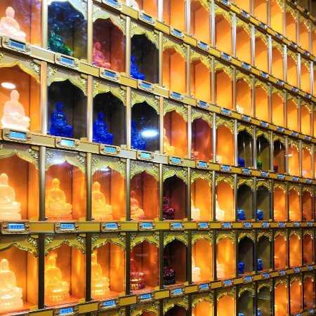 生产万佛龛寺庙佛像智能万佛工程宏缘科技琉璃工艺品