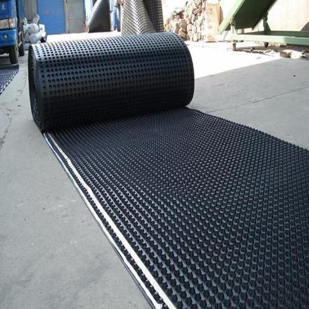 山东排水板生产厂家批发-屋顶车库排水板-蓄排水板丨PVC塑料-凹凸排水板-孔明工程