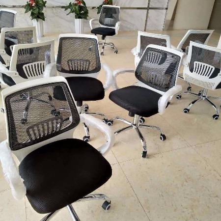 办公家具 昆明职员办公桌椅组合 四人位屏风办公桌 简约现代员工工作位