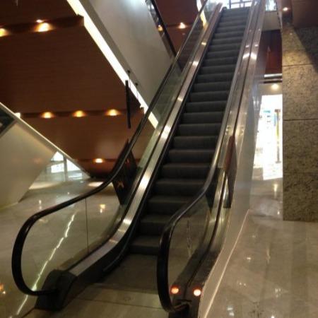 杭州电梯设备回收-各种型号整部旧电梯-扶梯-直流梯-客梯-货梯-医用梯及其废