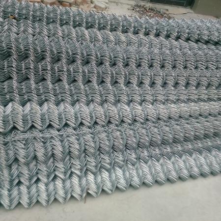 四川勾花网 包塑 镀锌 勾花护栏网采购费用