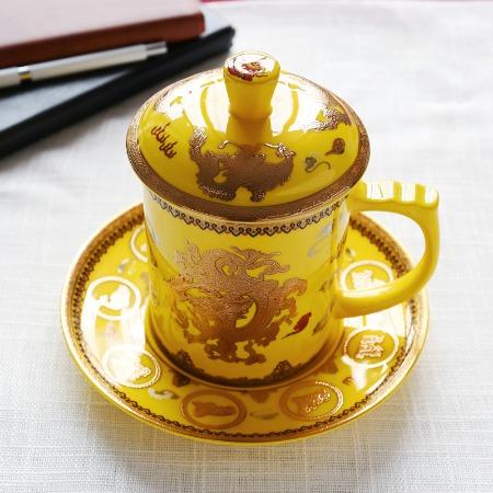 骨瓷马克杯茶杯办公会议杯大容量陶瓷水杯子带盖碟批发定制logo