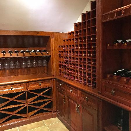 万腾红木家具定制  中国古典家具的灵魂 实木家具的选择