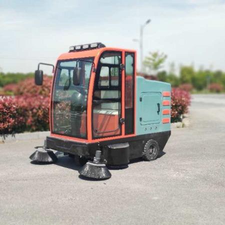 驾驶式电动扫地机厂家 电动扫地机价格