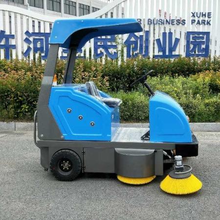 金驰枣庄现货销售1800型电动扫地机 小型电动扫地车