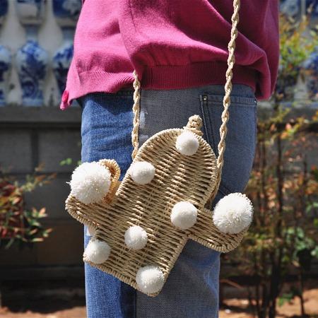 厂家直供仙人掌单肩草编包ins夏季新款百搭植物造型斜挎女包