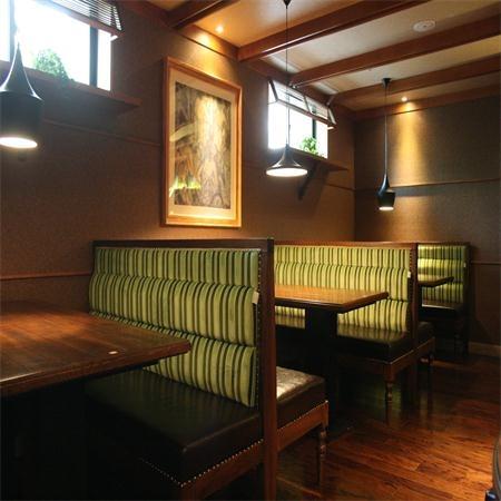 特色中餐厅桌椅厂家价格 餐桌定做厂家 就选恒品家具