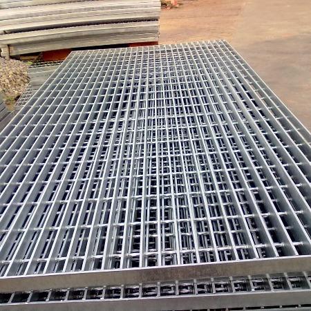 供洛阳钢构用平台钢格板 505/30/100