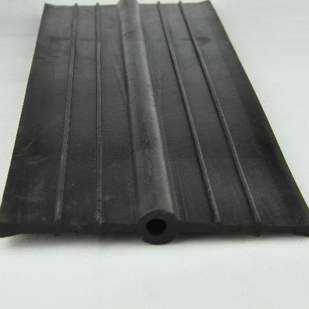 变形缝施工缝用250*10*R15中埋式橡胶止水带656型