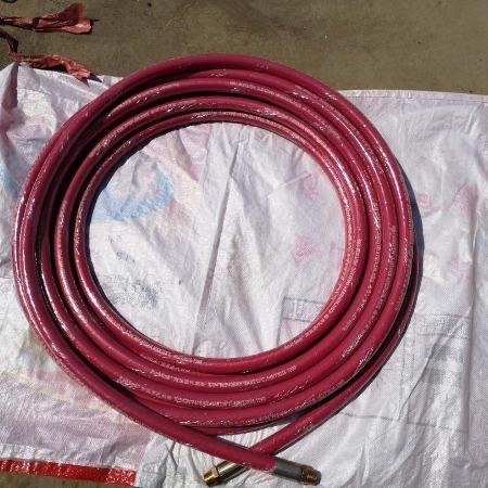 长年现货供应钢丝编织蒸汽胶管耐高温蒸汽夹布胶管DN10-100耐高温210度执行标准HG/T3036