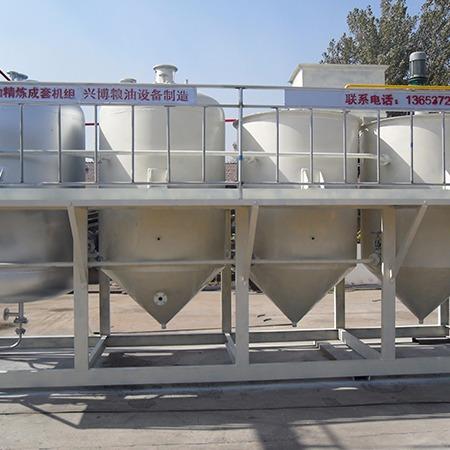 滑县成套精炼设备_葡萄籽成套精炼设备_精炼设备价格