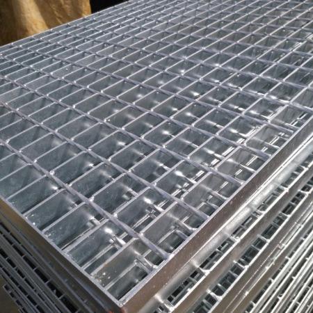 天津地下车库地沟镀锌钢格栅板 钢格板 平台网格板价格 镀锌花纹盖板