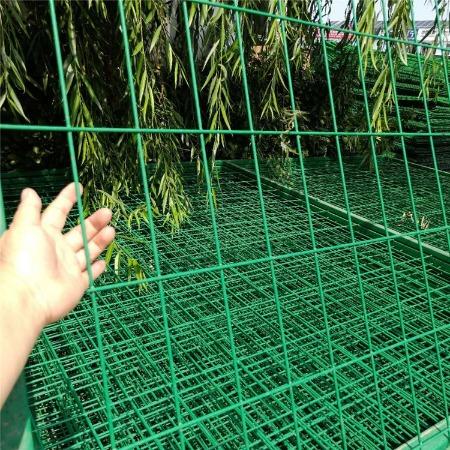 双边丝护栏网 浸塑铁丝网 圈山圈地铁丝防护网 售后无忧